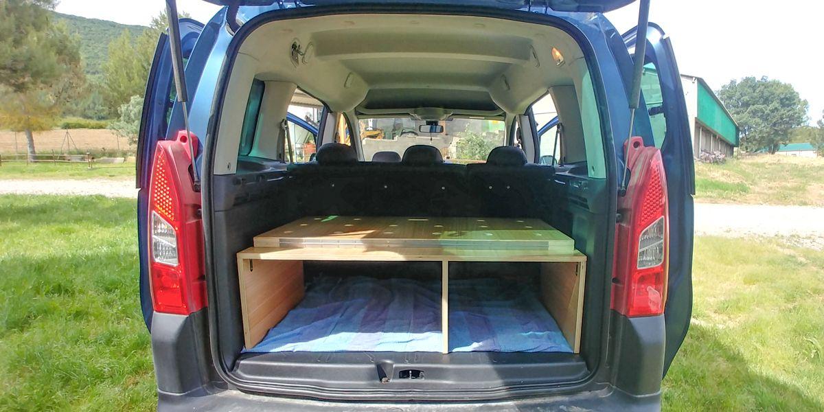 como camperizar tu furgoneta partner cama mueble camper