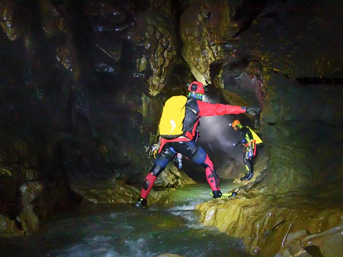 cueva ordesa entrañas monte perdido