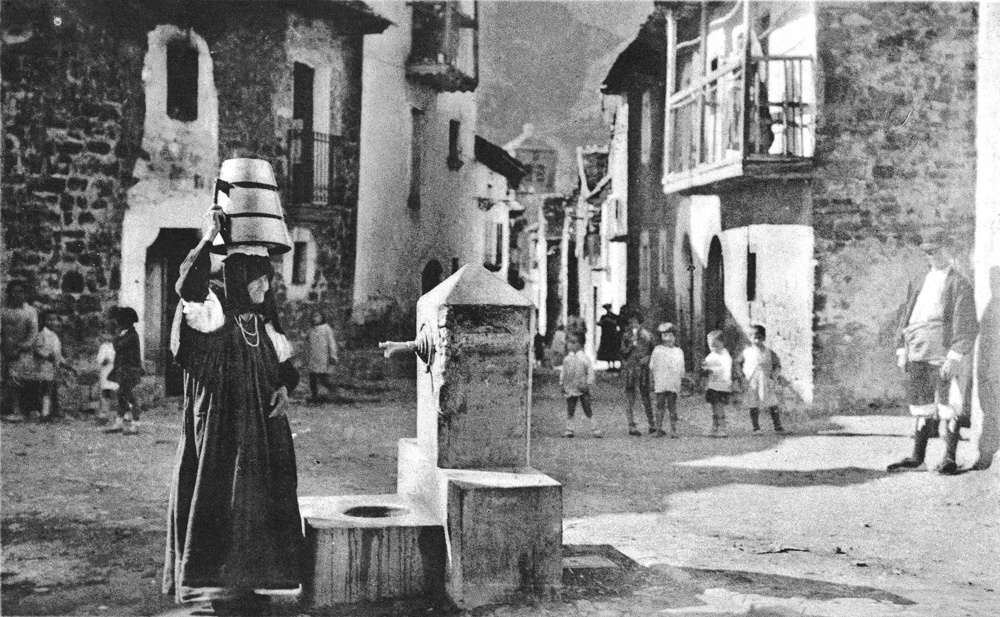 Ansó.-Fotografía-de-Francisco-De-las-Heras.-Archivo-Peñarroya