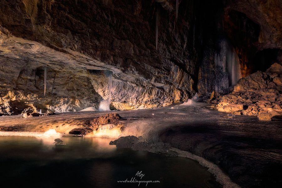 Cueva helada Casteret ordesa cima norte pirineo