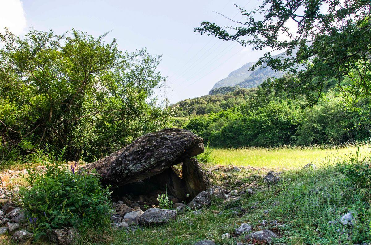 dolmenes historia del Pirineo piedras