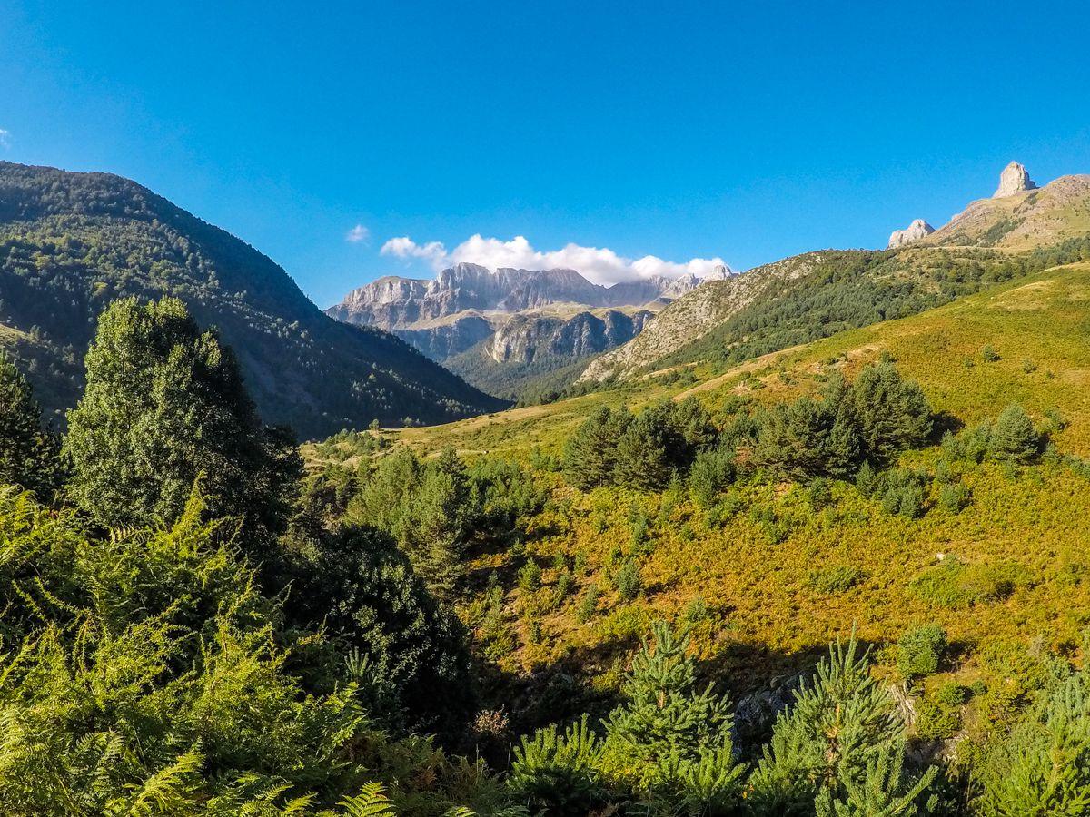 circular ibon ibón de acherito pirineo pirineos ibones aragon hecho anso valle huesca lagos