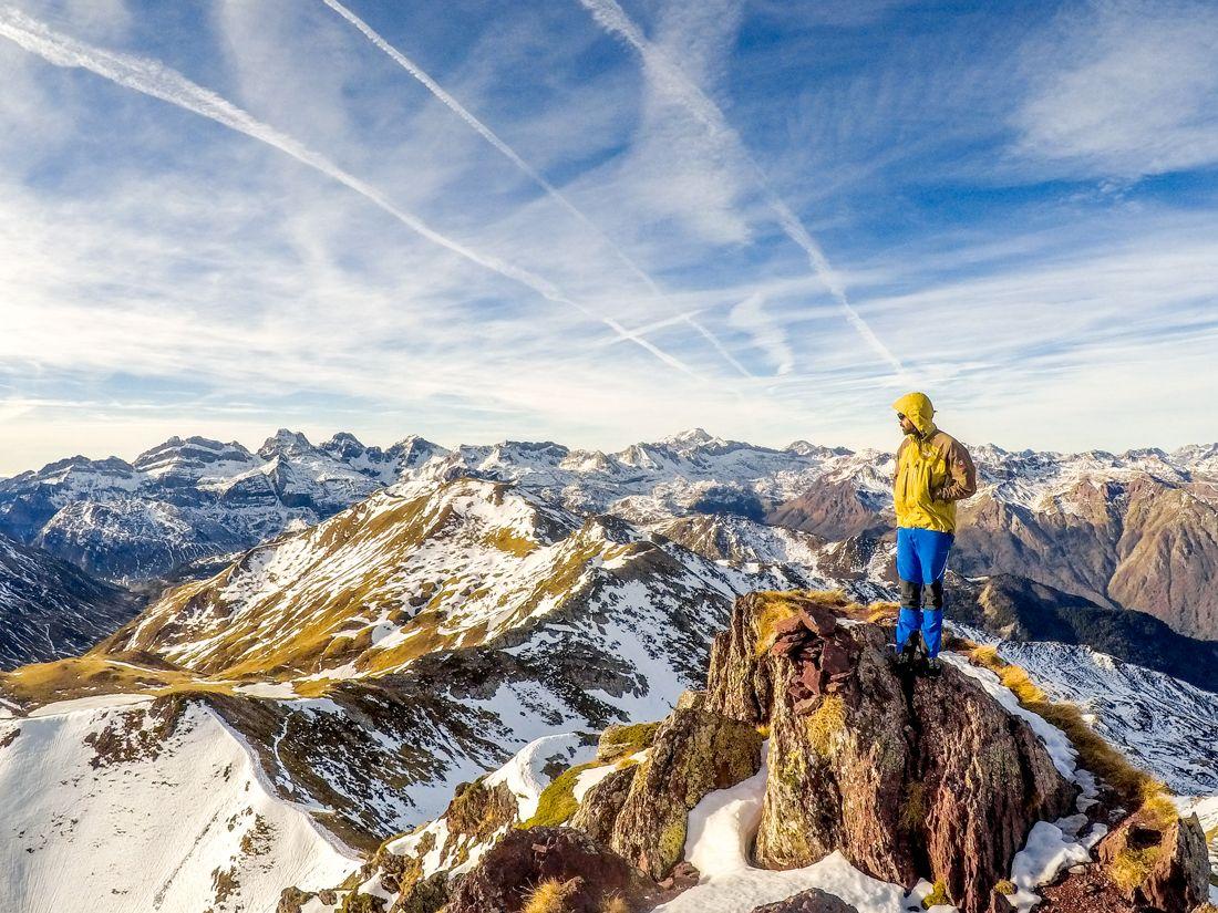 pico de los monjes desde astún pirineo cima norte