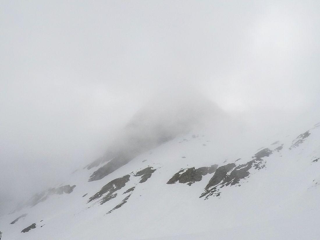 montaña niebla