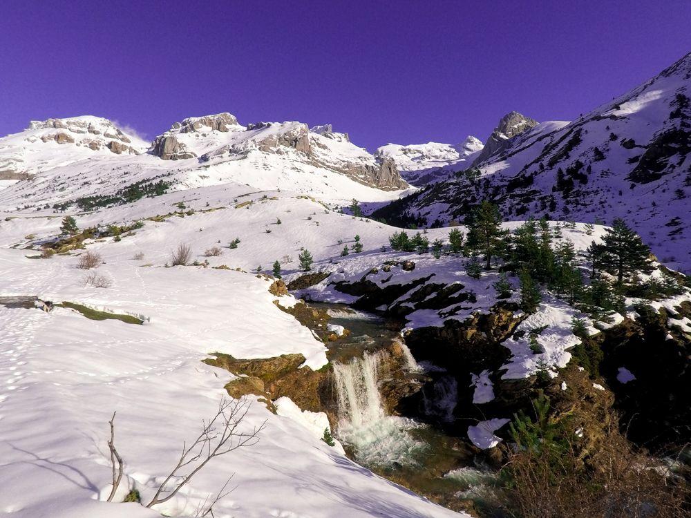 paseo invernal valle de aisa