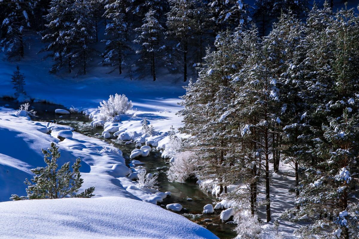 valle de zuriza con nieve