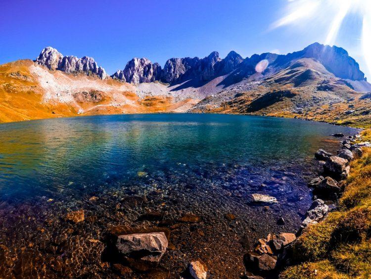 ibon de acherito el parque natural de los valles occidentales