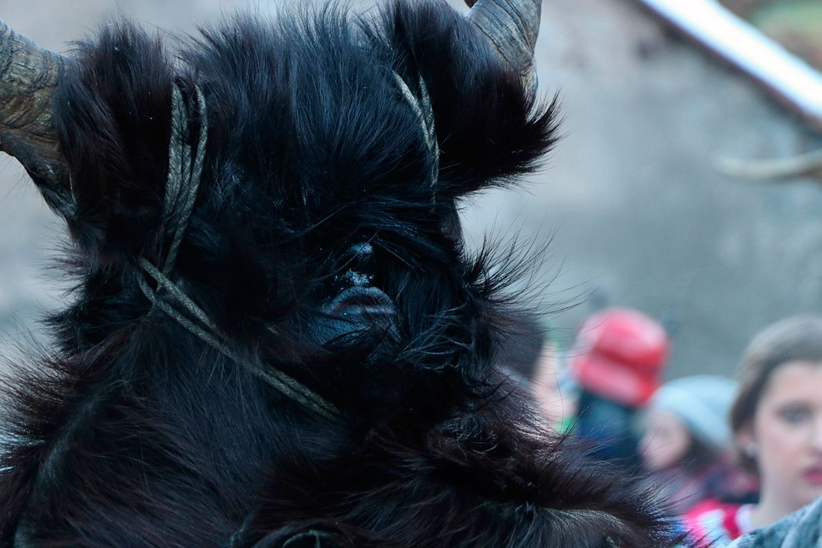 la magia de los carnavales de bielsa tranga