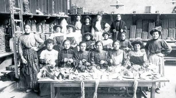 Las golonrinas, mujeres que emigraron a Francia a trabajar en la industria de la alpargata